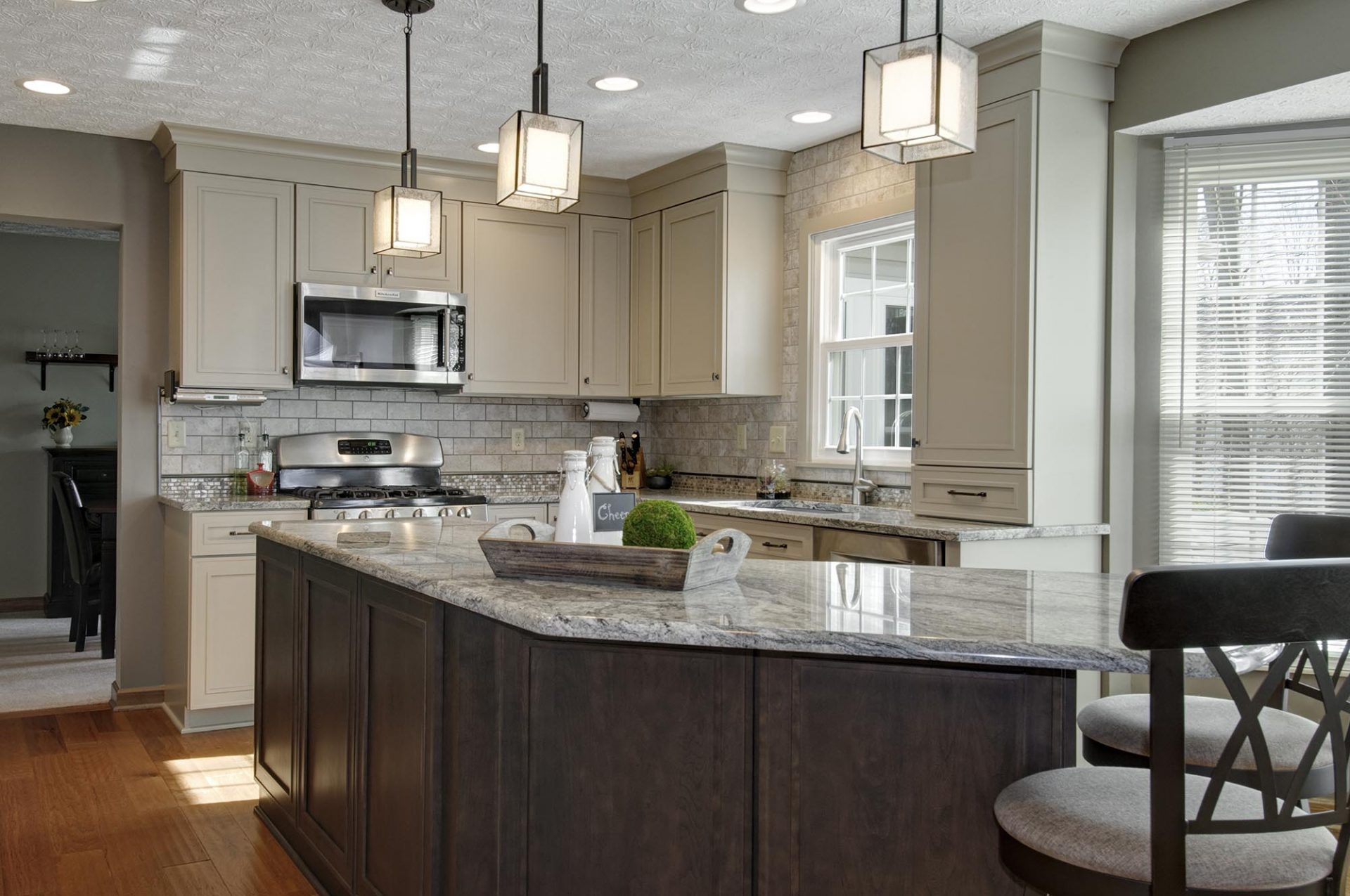 Kitchen, Gahanna, Dave Fox, Remodel, tile, island, granite, pendent lighting, brown tan cabinets